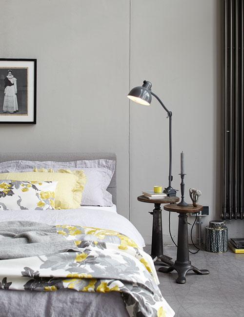 Peter Fehrentz interiordesign photography Innenarchitektur Fotografie Design Möbeldesign Furnituredesign Schöner Wohnen grey and yellow bed bedroom flowers industrial
