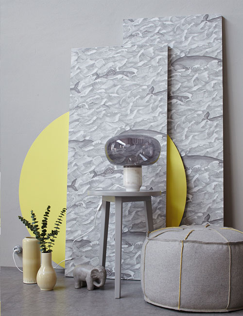 Peter Fehrentz interiordesign photography Innenarchitektur Fotografie Design Möbeldesign Furnituredesign Schöner Wohnen grey and yellow wallpaper ceramic vases