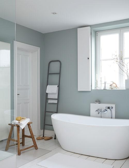 Peter Fehrentz interiordesign photography Innenarchitektur Fotografie Design Möbeldesign Furnituredesign alpina feine farben bathroom bathtub blue