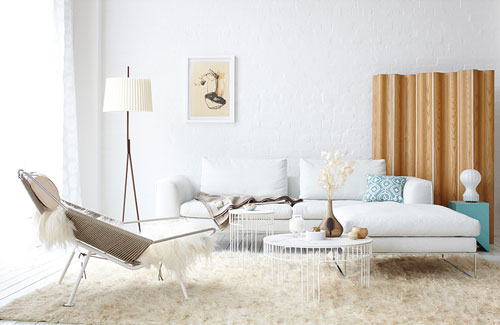 Peter Fehrentz interiordesign photography Innenarchitektur Fotografie Design Möbeldesign Furnituredesign Schöner Wohnen white and camel eames fur pp mobler halyard flag chair wegner