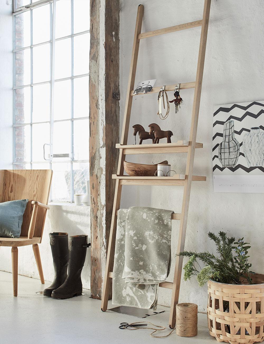 Peter Fehrentz interiordesign photography Innenarchitektur Fotografie Design Möbeldesign Furnituredesign Schöner Wohnen country modern ladder shelf wood