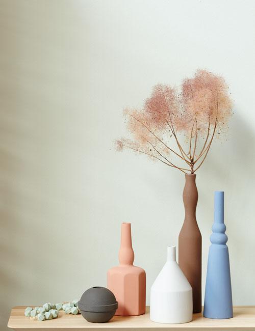 Peter Fehrentz interiordesign photography Innenarchitektur Fotografie Design Möbeldesign Furnituredesign Schöner Wohnen terracotta vases morandi stillife
