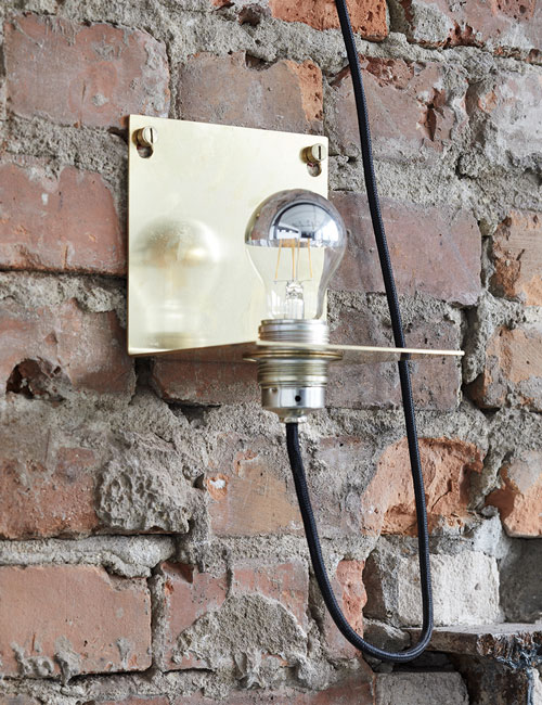 lamp-brass-fotolocation-loft-brickwall-brick-industrial-peter-fehrentz-interiordesign-design