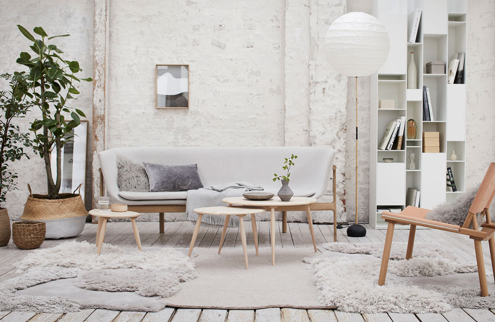 scandinavian style; livingroom,sofa, white and grey, light colors; wood; natural; industrial;very wood; muuto; Kinnasand; Louis Poulsen